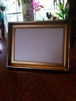 Lovely Vintage Gold Metal 5x7 Picture Frame