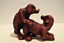 Antico Netsuke Giapponese intagliata BOSSO di due cani giocoso