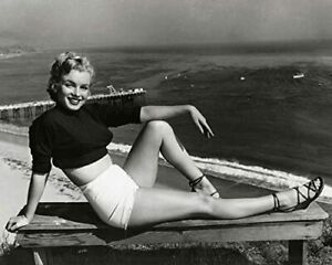 "Marilyn Monroe 1952 Paradise Cove Pier Malibu Photo (Size: 8"" X 10"")"