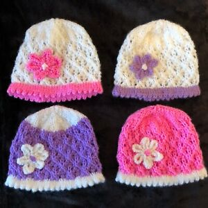 NEW !  0 - 3 mths  BABY GIRL  PRETTY LACY HAND  KNITTED BABY HAT WITH FLOWER - A