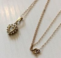 Lovely Ladies Vintage 9ct Gold Pretty White Stone Heart Pendant & 9ct Fine Chain