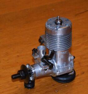 1972 Fox 25 RC model airplane engine vintage .25 radio control glow motor 4.2c
