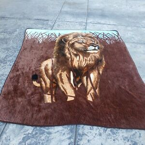 "Lion in the Plain - Throw Blanket 89"" x 76""  - Animal Print Safari Jungle VTG"