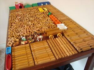 Lincoln Logs HUGE Lot 450 Pieces Roofs People Windows TONS of Different Pieces