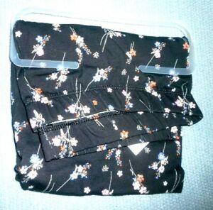 New Juniors  XXL (19)   Black Floral Print  Ankle Leggings