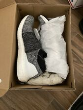Adidas Ultra Boost Laceless (US Men 6.5) (UK 6 )     (Euro 39.5)