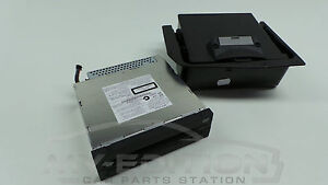 BMW F07 F10 F11 DVD Changer 6 Compartment Changer with Bracket Glove Box 9272355