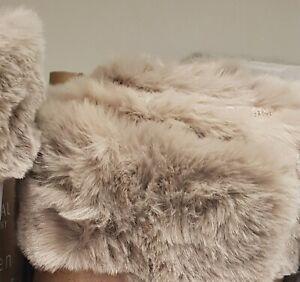 Beige Sand Neutral Luxury Faux Fur Rug Mat Carpet Bedroom Lounge Hallway soft
