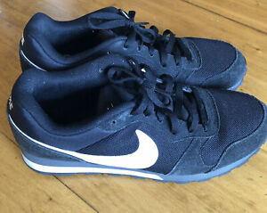 Nike MD Runner 2 Black. Size 11 US