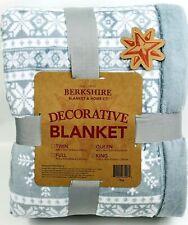 Berkshire Blanket KING Snowflake Reverse to Solid Blanket BLUE H220718