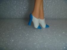 Barbie Shoes - White Flare Heel Ankle Boots With Blue Accents Milicent Roberts?