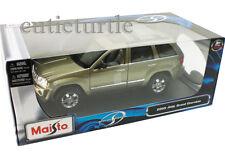 Maisto 2005 Jeep Grand Cherokee  1:18 Diecast Gold 31119
