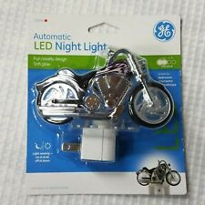 GE LED AUTOMATIC  Motorcycle Night Light 10904 Soft Glow Plug In New K04