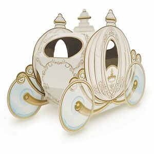 The Beistle Company-3-D Carriage Centerpiece