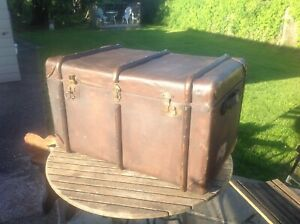 Antique Large  Warranted  Flaxite Canvas Trunk Bentwood Banded Steamer + Key