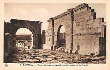 BR46191 Porte d entree du temple nord et porte sur le cardo Djemila    Algeria