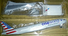 1/200 American Airlines B777-200ER  One World
