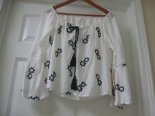 Modern and fun Sun & Shadow White with Navy color embroidery  flowers ,Sz M