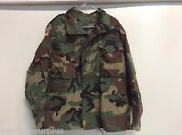 USGI M-65 M65 Field Jacket WITH HOOD MED/X-SHORT Woodland Camo BDU Cold Weather