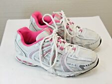 Target Athletic shoes Size 4Y Girls White with pink trim Good Condition Yp8