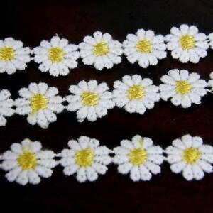 15 x LEMON CENTRED GUIPURE LACE DAISY MOTIFS Sew On Flower Applique  12mm LC15