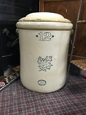 Western Stoneware Co 12 Gallon Crock with Lid