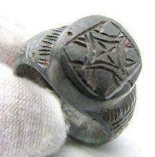 Viking era Anillo de Bronce con motivo de cruz estilizada pseudo-usable artefacto-F261