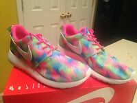 Nike Roshe One Print (GS) 677784 607 size 6.5Y-7Y Running Shoes