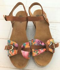 BNWOB SCHOLL BIOPRINT TAN SUEDE+MULTI FLORAL CANVAS WEDGE SANDAL SIZE UK 5/38