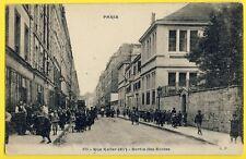cpa RARE 75 - PARIS Rue KELLER 11e arrondissement SORTIE des ÉCOLES très Animée