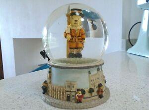 Leonardo Collection Snow Globe Beefeater Teddy Bear London Scenes Tower Bridge