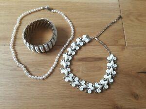 Vintage necklace, Trifari bracelet, Cultured pearl necklace, jewellery lot