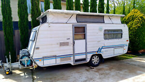 "Caravan Windsor Pop-Top 4.8M (15'9"") with new electric brakes and top skirt etc."
