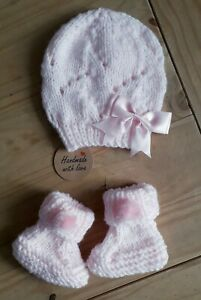 PINK /Newborn Hand made Knitted Baby set Hat and Booties 0-3 Mths