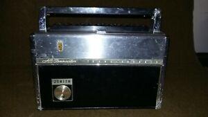 Zenith Royal 3000 Trans-Oceanic AM Shortwave LW Portable Radio