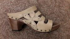 Dansko (Sz. 40=9.5-10 US) Light Olive Leather Open Toe Strappy Studded Slides
