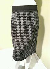 Worthington Women's Gray & Black Houndstooth Skirt.~ Size 10