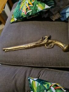 BRASS PISTOL GUN WALL HANGINGS COLLECTORS PIECE