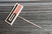 Gutbrod Anstecknadel lackiert Logo Landmaschinen Hohlblech 26x10mm alt+original