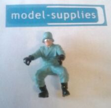 Britains 9679/9681 reproduction German dispatch rider painted figure