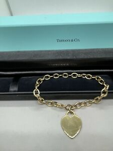 Tiffany & Co 18k yellow gold oval link chain bracelet heart tag charm pendant