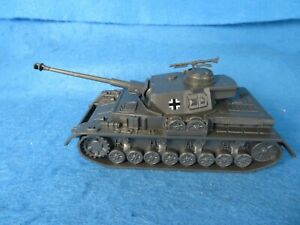 WWII German PZIV tank, late war version long barrel, Classic Toy Soldiers (CTS)