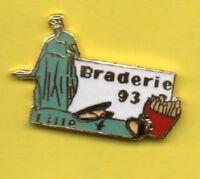 Pin's lapel pin Braderie LILLE 93 Moule frites La Déesse de la Grand-Place 59/62