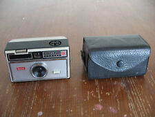 KODAK INSTAMATIC 104 FILM CAMERA USES FLASH CUBES MADE IN ENGLAND