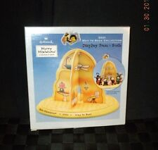 "2001 Hallmark  ""Way To Bees"" Display Base Merry Miniatures A Collection Of Charm"