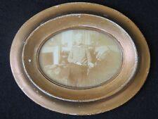 Ancien etit cadre oval, doré avec son portrait, miniature aquarelle. 14 x 11 cm