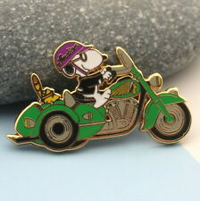 motorcycle peanuts  snoopy & woodstock pin  1 3/4 inch side car biker green