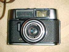 vintage VOIGTLANDER VITO with LATHAR 2.8/50  - X-CLEAN  Classic German Camera