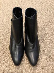 Manolo Blahnik Diaz Black Leather Ankle Boots/Booties- Size 37/US 7