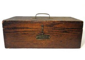 BOSTROM-BRADY MFG CO VINT CONVERTIBLE LEVEL SURVEYING WOODEN BOX, W/BRASS LATCH